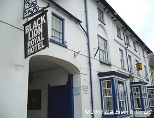 Royal Black Lion Hotel