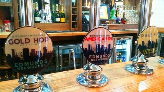 Edmunds Lounge Bar